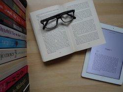 books-2448122__340